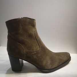 SPO8 boots Nikita suede taupe